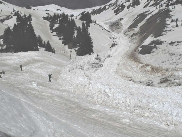 <b>Figure 11:</b> Looking up from mid-track above curve into creek drainage. (<a href=javascript:void(0); onClick=win=window.open('https://avalanche.state.co.us/caic/media/full/acc_463_2816.jpg','caic_media','resizable=1,height=820,width=840,scrollbars=yes');win.focus();return false;>see full sized image</a>)