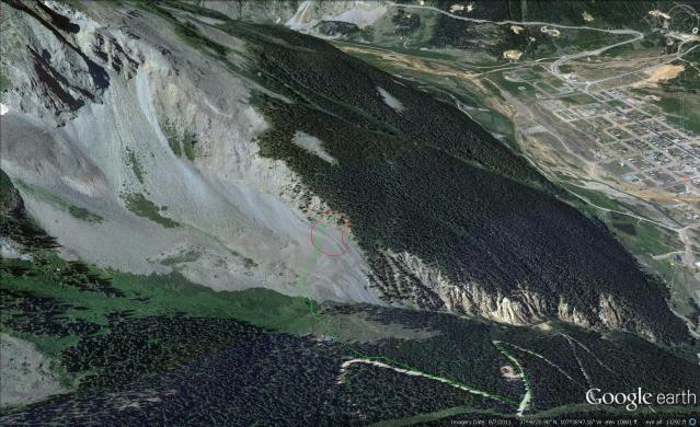 <b>Figure 10:</b> Google Earth view of Kendall Mountain. Approximate boundaries of avalanche are drawn in (<a href=javascript:void(0); onClick=win=window.open('https://avalanche.state.co.us/caic/media/full/acc_484_3974.jpg','caic_media','resizable=1,height=820,width=840,scrollbars=yes');win.focus();return false;>see full sized image</a>)