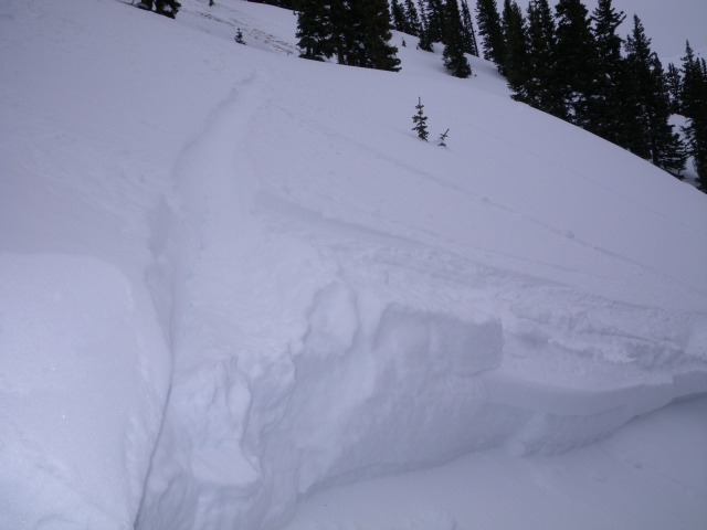 <b>Figure 3:</b> Skier 3's tracks leading to the crown face. (<a href=javascript:void(0); onClick=win=window.open('https://avalanche.state.co.us/caic/media/full/acc_485_4151.jpg','caic_media','resizable=1,height=820,width=840,scrollbars=yes');win.focus();return false;>see full sized image</a>)