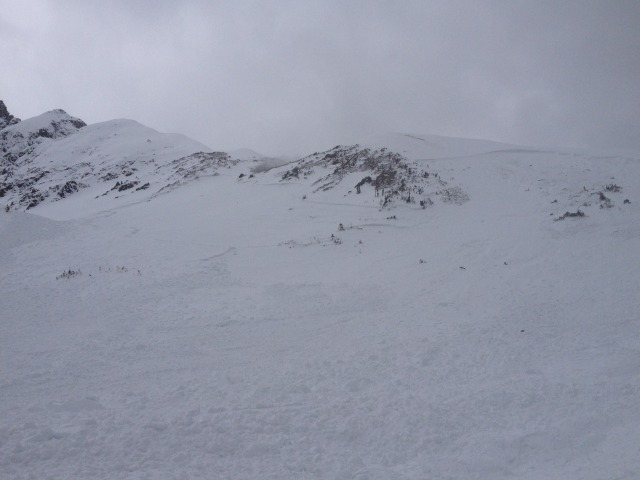<b>Figure 3:</b> Looking up the drainage at the avalanche. (<a href=javascript:void(0); onClick=win=window.open('https://avalanche.state.co.us/caic/media/full/acc_497_4514.jpg','caic_media','resizable=1,height=820,width=840,scrollbars=yes');win.focus();return false;>see full sized image</a>)
