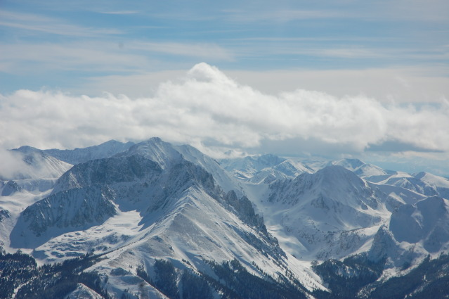 <b>Figure 11:</b> An areal image of the Nokhu Crags on the day of the accident. The crown of the avalanche is visible on the viewer's left side of the ridge that extends into the foreground. The image was taken at approximately 1PM. (<a href=javascript:void(0); onClick=win=window.open('https://avalanche.state.co.us/caic/media/full/acc_497_4677.jpg','caic_media','resizable=1,height=820,width=840,scrollbars=yes');win.focus();return false;>see full sized image</a>)