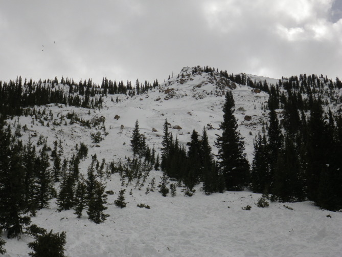 <b>Figure 9:</b> An overview of the start zone in the eastern portion of the Star Mountain A avalanche path. You can see the top of the western portion of the path in the upper right part of the image. (<a href=javascript:void(0); onClick=win=window.open('http://avalanche.state.co.us/caic/media/full/acc_526_7254.jpg','caic_media','resizable=1,height=820,width=840,scrollbars=yes');win.focus();return false;>see full sized image</a>)