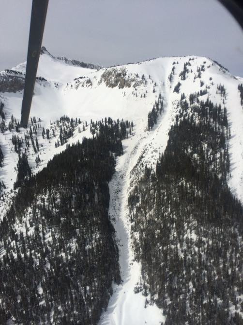 <b>Figure 4:</b> A view of the avalanche in Bear Creek. (<a href=javascript:void(0); onClick=win=window.open('http://avalanche.state.co.us/caic/media/full/acc_532_7368.jpg','caic_media','resizable=1,height=820,width=840,scrollbars=yes');win.focus();return false;>see full sized image</a>)