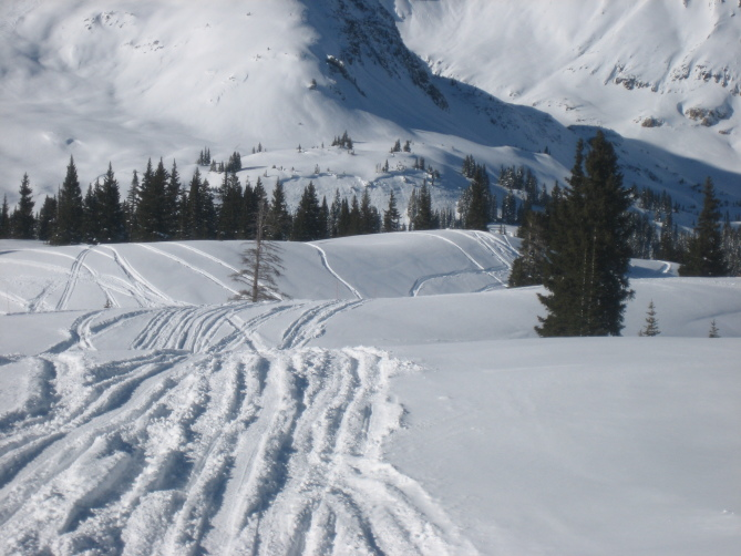 <b>Figure 1:</b> View of snowmobile triggered avalanche on ESE aspect on lower bench rollover on Ruby Peak. Ruby Range. 1.21.16 (<a href=javascript:void(0); onClick=win=window.open('http://avalanche.state.co.us/caic/media/full/acc_586_11440.jpg','caic_media','resizable=1,height=820,width=840,scrollbars=yes');win.focus();return false;>see full sized image</a>)