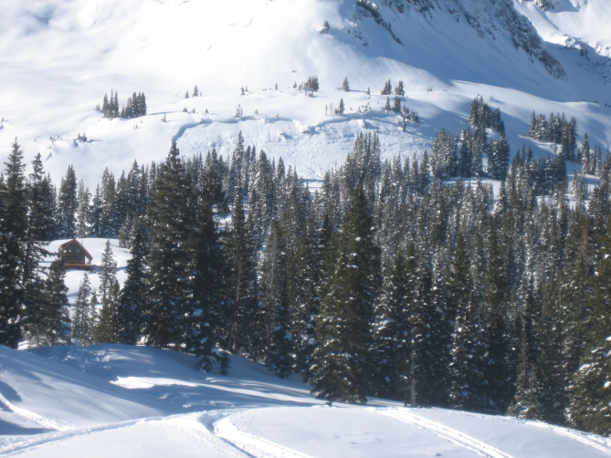 <b>Figure 2:</b> View of snowmobile triggered avalanche on ESE aspect on lower bench rollover on Ruby Peak. Ruby Range. 1.21.16 (<a href=javascript:void(0); onClick=win=window.open('http://avalanche.state.co.us/caic/media/full/acc_586_11442.jpg','caic_media','resizable=1,height=820,width=840,scrollbars=yes');win.focus();return false;>see full sized image</a>)