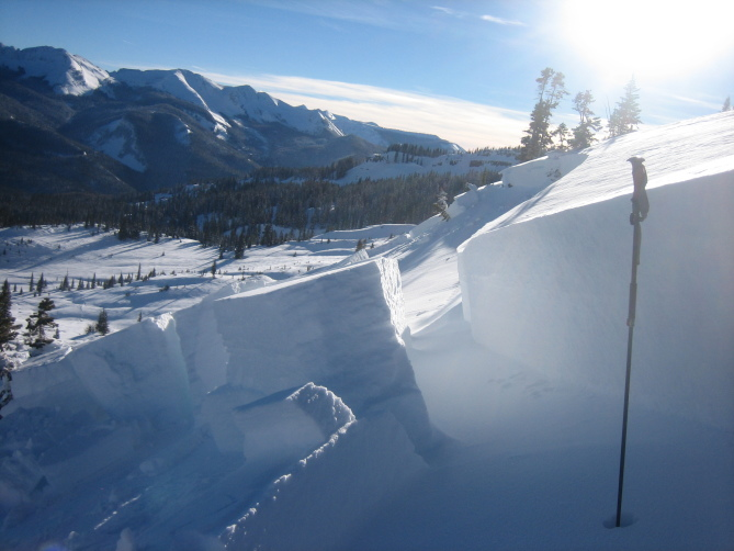<b>Figure 8:</b> Looking across the crown of a snowmobile triggered avalanche on Ruby Peak. Ruby Range. 1.21.16 (<a href=javascript:void(0); onClick=win=window.open('http://avalanche.state.co.us/caic/media/full/acc_586_11448.jpg','caic_media','resizable=1,height=820,width=840,scrollbars=yes');win.focus();return false;>see full sized image</a>)