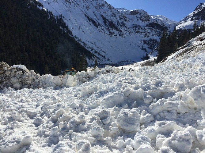 <b>Figure 3:</b> Debris from the skier-triggered avalanche on US 550, north of the town of Silverton. (<a href=javascript:void(0); onClick=win=window.open('http://avalanche.state.co.us/caic/media/full/acc_599_12163.jpg','caic_media','resizable=1,height=820,width=840,scrollbars=yes');win.focus();return false;>see full sized image</a>)