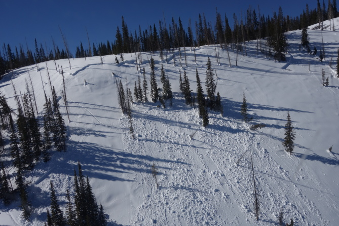 <b>Figure 2:</b> Aerial view of the crown line and bed surface of a fatal avalanche accident which occurred near West Lost Lake in the Flat Tops Wilderness on 2-14-2017. The average height of the crown is 60cm. (<a href=javascript:void(0); onClick=win=window.open('http://avalanche.state.co.us/caic/media/full/acc_631_15586.jpg','caic_media','resizable=1,height=820,width=840,scrollbars=yes');win.focus();return false;>see full sized image</a>)