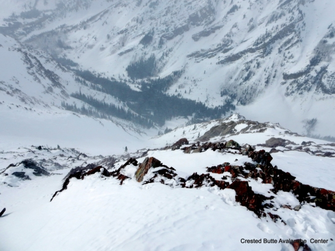 <b>Figure 2:</b> Looking downhill at the slide path, near where the group started their ski descent and triggered the avalanche. (<a href=javascript:void(0); onClick=win=window.open('http://avalanche.state.co.us/caic/media/full/acc_632_15801.jpg','caic_media','resizable=1,height=820,width=840,scrollbars=yes');win.focus();return false;>see full sized image</a>)