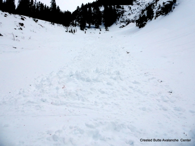 <b>Figure 7:</b> Skier 2 was deposited on top of about 3 feet of debris, a relatively small avalanche. (<a href=javascript:void(0); onClick=win=window.open('http://avalanche.state.co.us/caic/media/full/acc_632_15806.jpg','caic_media','resizable=1,height=820,width=840,scrollbars=yes');win.focus();return false;>see full sized image</a>)