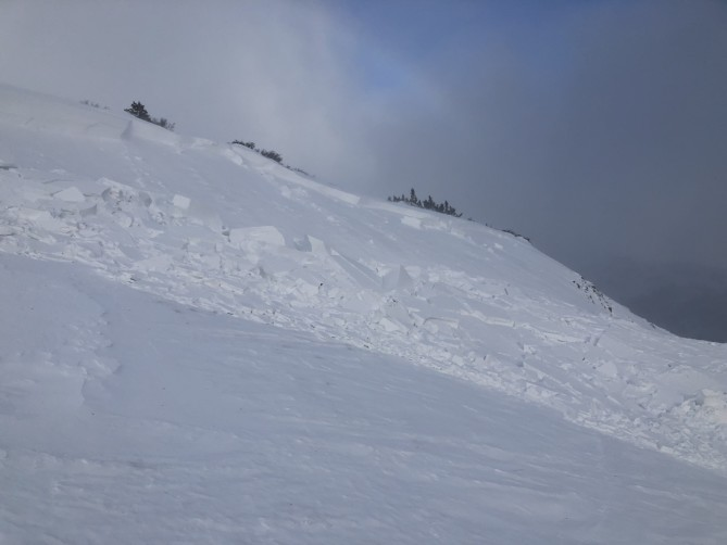 <b>Figure 6:</b> View of a skier-triggered avalanche on 11/2/18. Easterly terrain features received large amounts of wind-drifted snow as wind increased from the northwest on 10/31/18. (<a href=javascript:void(0); onClick=win=window.open('https://avalanche.state.co.us/caic/media/full/acc_675_20916.jpeg','caic_media','resizable=1,height=820,width=840,scrollbars=yes');win.focus();return false;>see full sized image</a>)