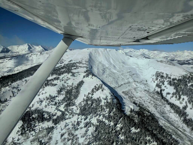 <b>Figure 5:</b> An aerial image of a skier triggered avalanche in Red Lady Bowl on November 25. Photo courtesy of Brock Stai. (<a href=javascript:void(0); onClick=win=window.open('https://avalanche.state.co.us/caic/media/full/acc_676_21325.jpg','caic_media','resizable=1,height=820,width=840,scrollbars=yes');win.focus();return false;>see full sized image</a>)