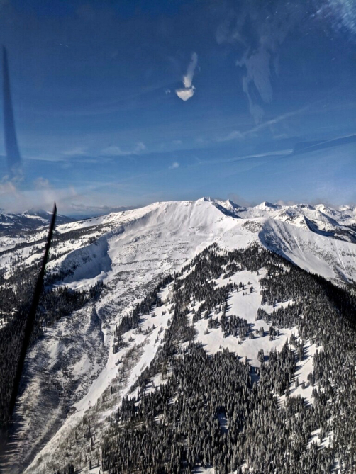 <b>Figure 6:</b> An aerial image of a skier triggered avalanche in Red Lady Bowl on November 25. Photo courtesy of Brock Stai. (<a href=javascript:void(0); onClick=win=window.open('https://avalanche.state.co.us/caic/media/full/acc_676_21326.jpg','caic_media','resizable=1,height=820,width=840,scrollbars=yes');win.focus();return false;>see full sized image</a>)