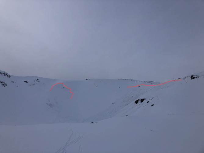 <b>Figure 2:</b> The red lines mark the crown face of the two avalanches. The group of skiers triggered the avalanche on the right and the avalanche on the left release sympathetically. (<a href=javascript:void(0); onClick=win=window.open('https://avalanche.state.co.us/caic/media/full/acc_685_22745.jpg','caic_media','resizable=1,height=820,width=840,scrollbars=yes');win.focus();return false;>see full sized image</a>)