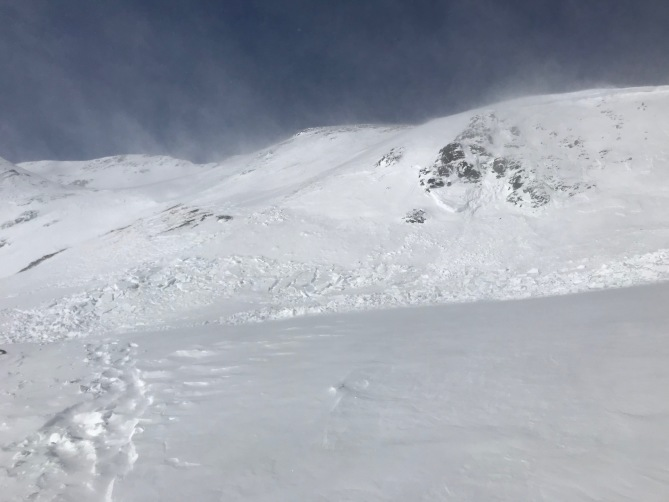 <b>Figure 1:</b> Snowshoers triggered and were caught in this avalanche. Southeast aspect near 12,300', southwest of Red Mountain Pass, January 3 2019. (<a href=javascript:void(0); onClick=win=window.open('https://avalanche.state.co.us/caic/media/full/acc_687_22724.jpeg','caic_media','resizable=1,height=820,width=840,scrollbars=yes');win.focus();return false;>see full sized image</a>)