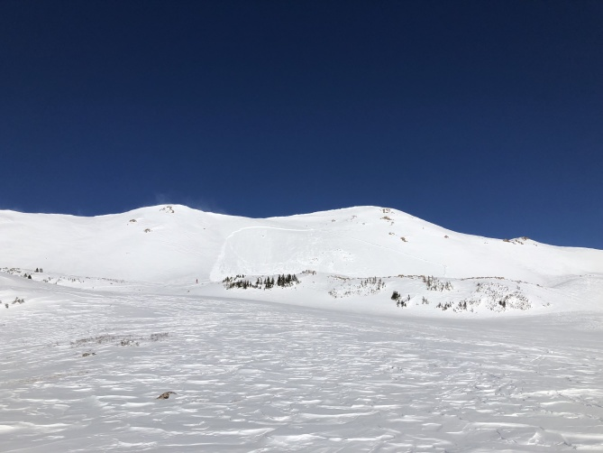 <b>Figure 1:</b> The crown of the avalanche was about 450 feet wide. (<a href=javascript:void(0); onClick=win=window.open('https://avalanche.state.co.us/caic/media/full/acc_703_24418.jpeg','caic_media','resizable=1,height=820,width=840,scrollbars=yes');win.focus();return false;>see full sized image</a>)