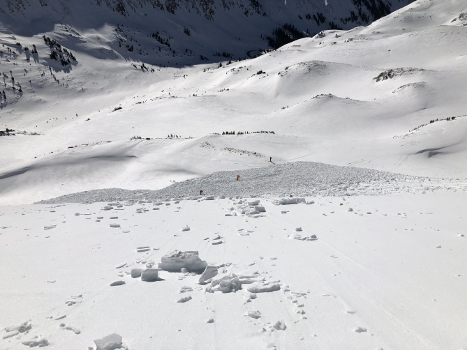 <b>Figure 3:</b> An image from Skier 1 before he descended the bed surface to the avalanche debris. (<a href=javascript:void(0); onClick=win=window.open('https://avalanche.state.co.us/caic/media/full/acc_703_24421.jpeg','caic_media','resizable=1,height=820,width=840,scrollbars=yes');win.focus();return false;>see full sized image</a>)