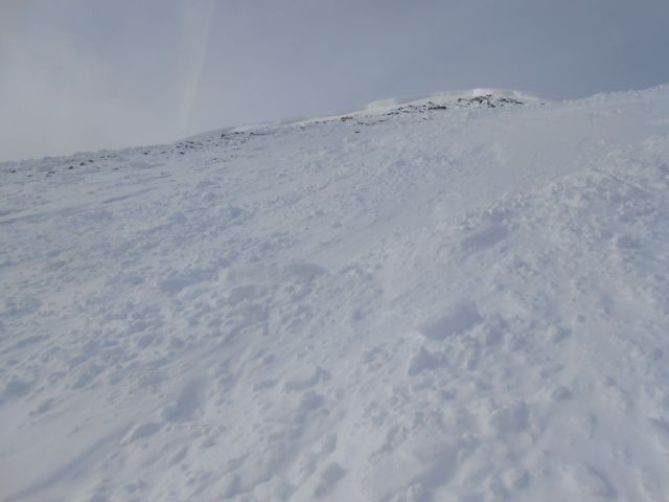 <b>Figure 2:</b> Although isolated areas of the starting zone ran to ground, overall the bed surface was composed of P to K old snow. Depth hoar still exists beneath the sliding surface. (<a href=javascript:void(0); onClick=win=window.open('https://avalanche.state.co.us/caic/media/full/obs_21767_6086.jpg','caic_media','resizable=1,height=820,width=840,scrollbars=yes');win.focus();return false;>see full sized image</a>)