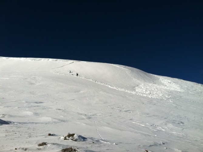 <b>Figure 3:</b> the aftermath.  Skier 1's highpoint was just below at the v shape of the crown (<a href=javascript:void(0); onClick=win=window.open('https://avalanche.state.co.us/caic/media/full/obs_38062_11037.jpg','caic_media','resizable=1,height=820,width=840,scrollbars=yes');win.focus();return false;>see full sized image</a>)