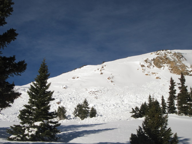 <b>Figure 1:</b> The avalanche on the southern end of Trelease. (<a href=javascript:void(0); onClick=win=window.open('https://avalanche.state.co.us/caic/media/full/obs_48483_17836.jpg','caic_media','resizable=1,height=820,width=840,scrollbars=yes');win.focus();return false;>see full sized image</a>)