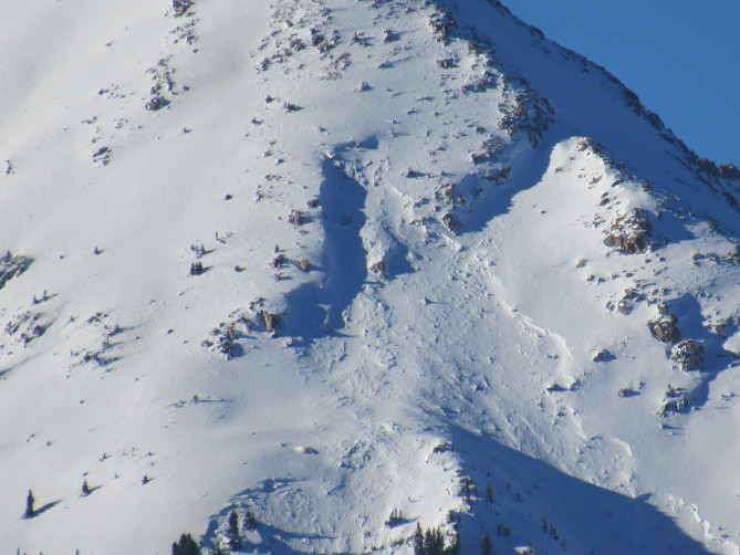 <b>Figure 4:</b> An avalanche off of Peak 2 on a southeast-facing slope. Photo taken on 12/28/17 (<a href=javascript:void(0); onClick=win=window.open('http://avalanche.state.co.us/caic/media/full/obs_48488_17846.jpg','caic_media','resizable=1,height=820,width=840,scrollbars=yes');win.focus();return false;>see full sized image</a>)
