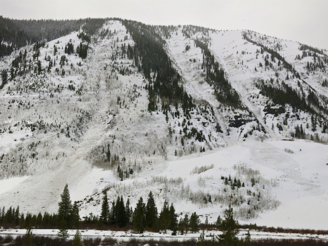 <b>Figure 1:</b> CLIMAX MAD HOUSE OF WET SLAB AVALANCHES. UP TO D2.5. NUMEROUS CROWNS BETWEEN 9,400FT AND 11,000FT (<a href=javascript:void(0); onClick=win=window.open('https://avalanche.state.co.us/caic/media/full/obs_51249_20322.jpg','caic_media','resizable=1,height=820,width=840,scrollbars=yes');win.focus();return false;>see full sized image</a>)