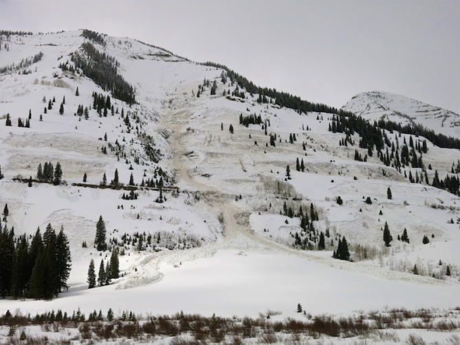 <b>Figure 2:</b> IMPRESSIVELY WIDE PROPAGATING WET SLAB AVALANCHE NEAR PITTSBURG IN THE SLATE RIVER VALLEY. NORTHEASTERLY ASPECT WITH VARIOUS CROWNS BETWEEN 10,700FT AND 9,400FT. (<a href=javascript:void(0); onClick=win=window.open('https://avalanche.state.co.us/caic/media/full/obs_51249_20324.jpg','caic_media','resizable=1,height=820,width=840,scrollbars=yes');win.focus();return false;>see full sized image</a>)