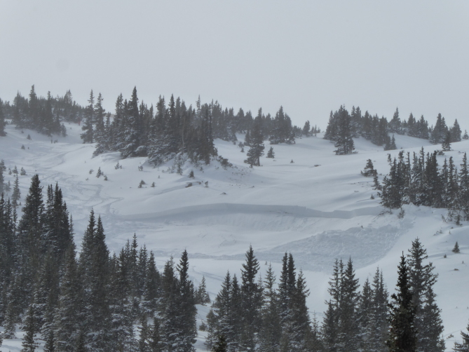 <b>Figure 1:</b> Skier triggered avalanche in Dry Gulch 11/4/2018. Areas like this small wind-loaded slope are the most dangerous right now. (<a href=javascript:void(0); onClick=win=window.open('https://avalanche.state.co.us/caic/media/full/obs_51724_20941.jpg','caic_media','resizable=1,height=820,width=840,scrollbars=yes');win.focus();return false;>see full sized image</a>)