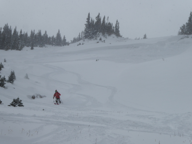 <b>Figure 2:</b> Skier triggered avalanche in Dry Gulch 11/4/2018. Areas like this small wind-loaded slope are the most dangerous right now. (<a href=javascript:void(0); onClick=win=window.open('https://avalanche.state.co.us/caic/media/full/obs_51724_20942.jpg','caic_media','resizable=1,height=820,width=840,scrollbars=yes');win.focus();return false;>see full sized image</a>)
