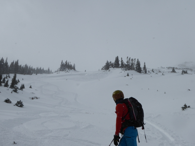 <b>Figure 4:</b> Skier triggered avalanche in Dry Gulch 11/4/2018. Areas like this small wind-loaded slope are the most dangerous right now. (<a href=javascript:void(0); onClick=win=window.open('https://avalanche.state.co.us/caic/media/full/obs_51724_20944.jpg','caic_media','resizable=1,height=820,width=840,scrollbars=yes');win.focus();return false;>see full sized image</a>)