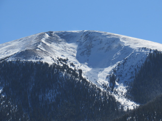<b>Figure 1:</b> Natural avalanche that occurred on 11/5 or 11/6 near Twin Lakes in the Sawatch Range. This is a northeast facing, heavily wind-loaded slope. (<a href=javascript:void(0); onClick=win=window.open('https://avalanche.state.co.us/caic/media/full/obs_51753_20970.jpg','caic_media','resizable=1,height=820,width=840,scrollbars=yes');win.focus();return false;>see full sized image</a>)