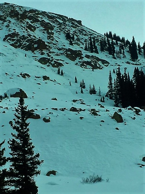 <b>Figure 1:</b> Wind Slab avalanche triggered on a northwest aspect below Taylor Pass. Dec 21, 2018 (<a href=javascript:void(0); onClick=win=window.open('https://avalanche.state.co.us/caic/media/full/obs_52844_22141.jpg','caic_media','resizable=1,height=820,width=840,scrollbars=yes');win.focus();return false;>see full sized image</a>)