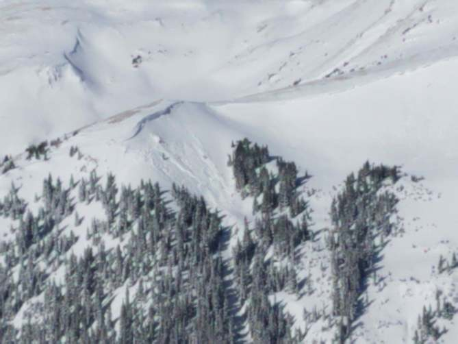 <b>Figure 3:</b> Small natural avalanche in the Widow Maker, photo taken on 25 Jan 2019. (<a href=javascript:void(0); onClick=win=window.open('https://avalanche.state.co.us/caic/media/full/obs_54053_23779.jpg','caic_media','resizable=1,height=820,width=840,scrollbars=yes');win.focus();return false;>see full sized image</a>)