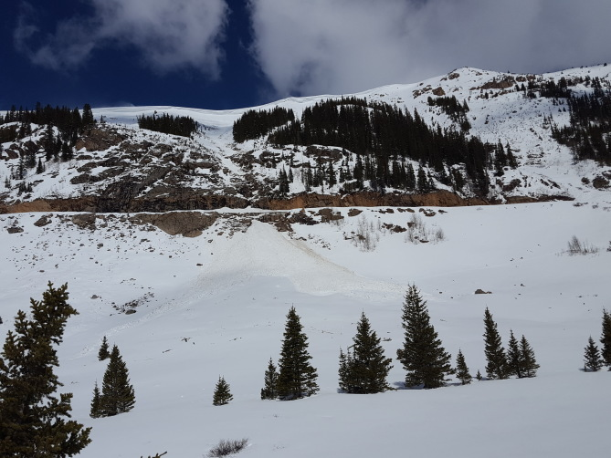 <b>Figure 1:</b> Loose Wet avalanche from the Beeler Grade from around 4/30/19 (<a href=javascript:void(0); onClick=win=window.open('https://avalanche.state.co.us/caic/media/full/obs_56561_26687.jpg','caic_media','resizable=1,height=820,width=840,scrollbars=yes');win.focus();return false;>see full sized image</a>)