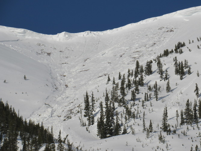 <b>Figure 4:</b> Star Mountain B crown. Avalanche date unknown but after 4/30/19 (<a href=javascript:void(0); onClick=win=window.open('https://avalanche.state.co.us/caic/media/full/obs_56561_26690.jpg','caic_media','resizable=1,height=820,width=840,scrollbars=yes');win.focus();return false;>see full sized image</a>)
