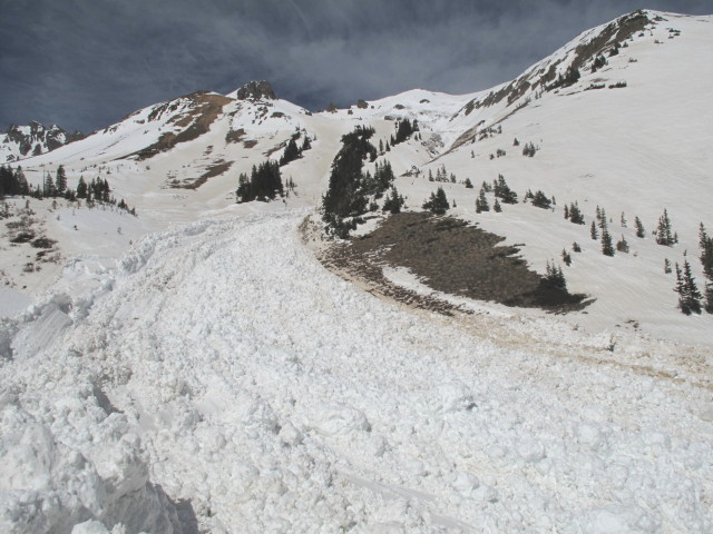 <b>Figure 11:</b> Looking up the avalanche path from the middle of the track. (<a href=javascript:void(0); onClick=win=window.open('https://avalanche.state.co.us/media/full/acc_463_2813.jpg','caic_media','resizable=1,height=820,width=840,scrollbars=yes');win.focus();return false;>see full sized image</a>)