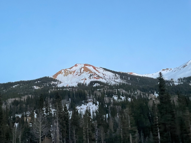 A recent long-running Loose Wet avalanche near Red Mountain Pass.